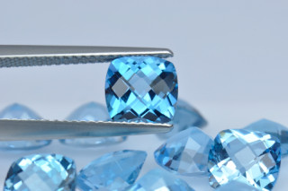 BLT01824MCT - Blue Topaz 7x7 Cushion Checkerboard, 1.625 carats