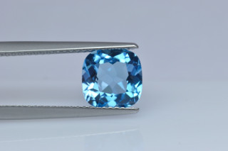 BLT01826M - Blue Topaz 8x8 Cushion, 2.85 carats