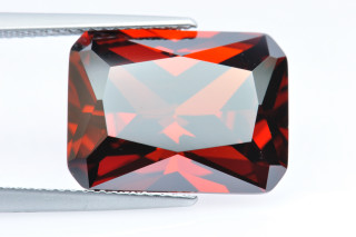 CUZGA02138M - Garnet Cubic Zirconia 16x12mm Octagon Princess Cut