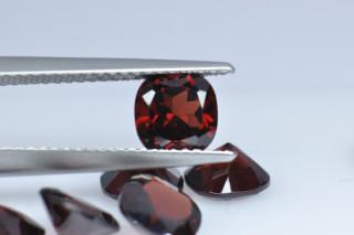 GAR01821M10 - Garnet 6x6 Cushion, 1.06 carats