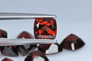 GAR01821MPLUS10 - Garnet 6x6 Cushion, 1.36 carats