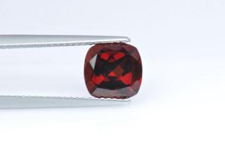 GAR01826MPLUS - Garnet 8x8 Cushion, 2.70 carats