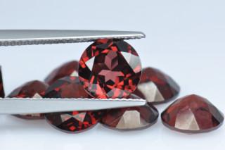 GAR126MPLUS10 - Garnet 8.00mm Round, 2.35 carats