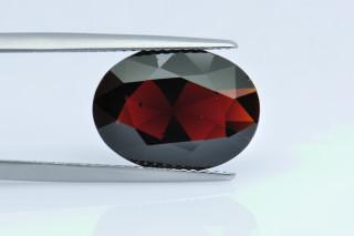 GAR237M - Garnet 15x11 Oval,  6.70 carats