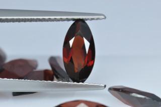GAR625M - Garnet 10x5 Marquise, 1.09 carats