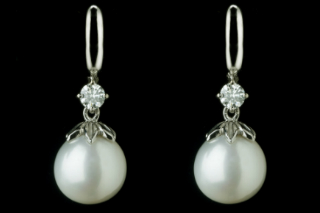 INDPSL135C - Cultured Pearls & Diamonds