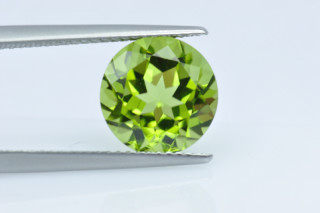 PER130FPLUS_1 - Peridot 10.00mm Round, 4.74 carats