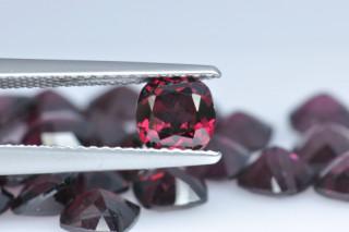 RHO01817M - Rhodolite 5x5 Cushion, 0.73 carats