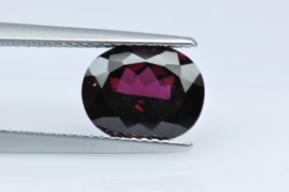 RHO227MPLUS_1 - Rhodolite 10x8 Oval, 3.49 carats