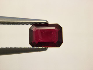RUB419M_3 - Ruby 7x5 Octagon, 0.94 carats
