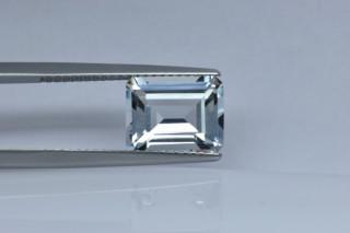 WHT427M - White Topaz 10x8 Octagon, 3.69 carats